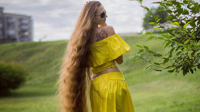 Omg Is This Girl The Real Life Rapunzel