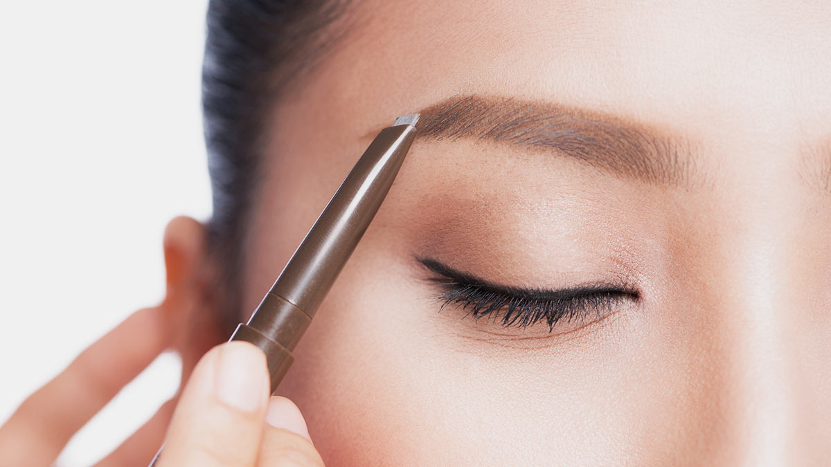 The Eyebrow Product You Should Use, Based On The Makeup Look You Want
