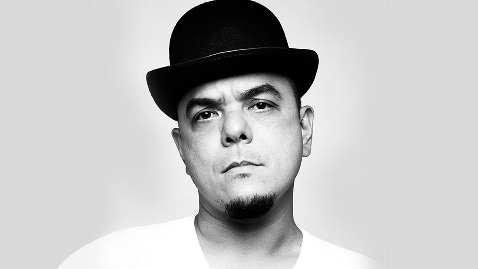 carlos celdran - photo #34