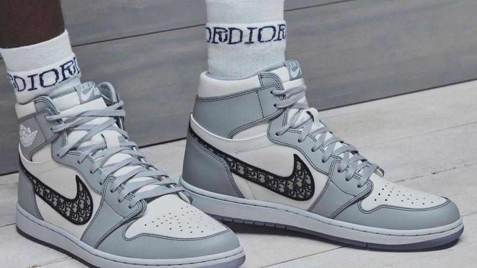 Air Jordan 1 High OG Dior