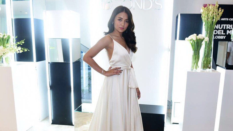 8a9fe1c525cc4b Kathryn Bernardo Was A Vision In White At The Pond s Reveal