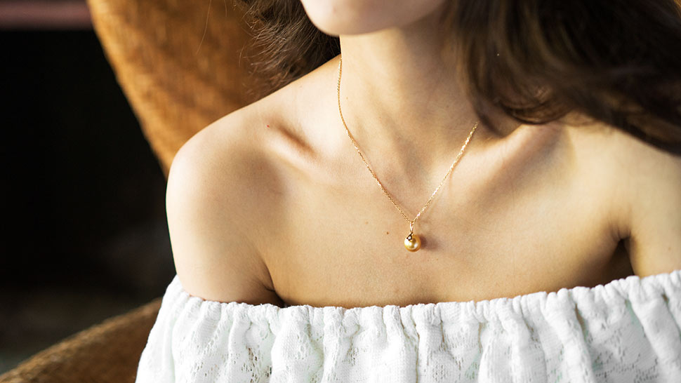 10 Dainty Necklaces For The Minimalist Girl