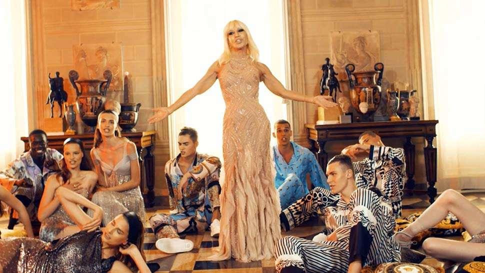 Donatella Versace Lip Syncs To Bruno Mars  Versace On The Floor 4e3fc4bc3