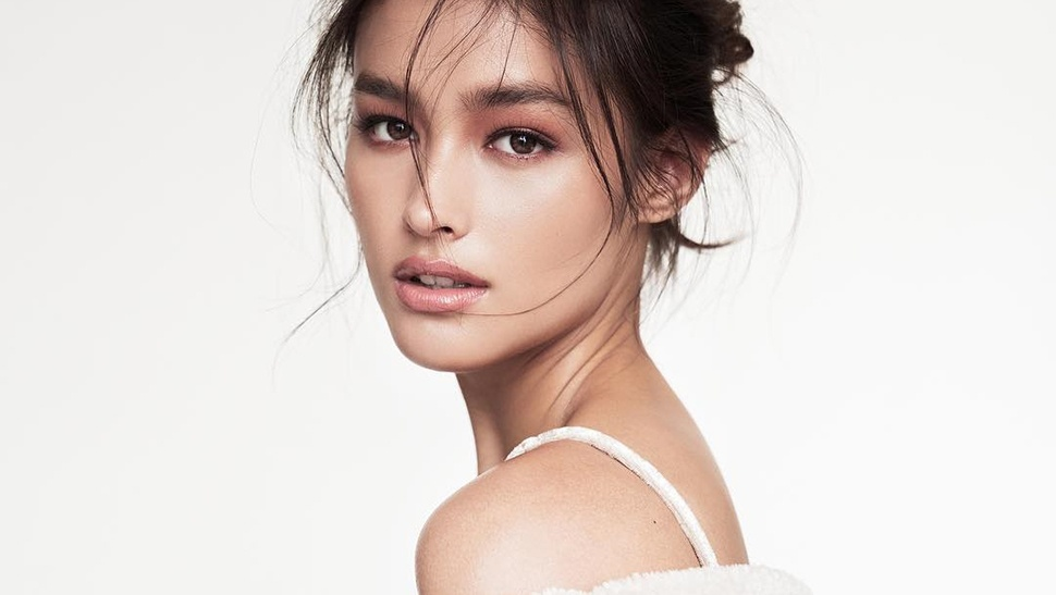 LOTD: Liza Soberano Wears The Must-Have Item Of Fashion