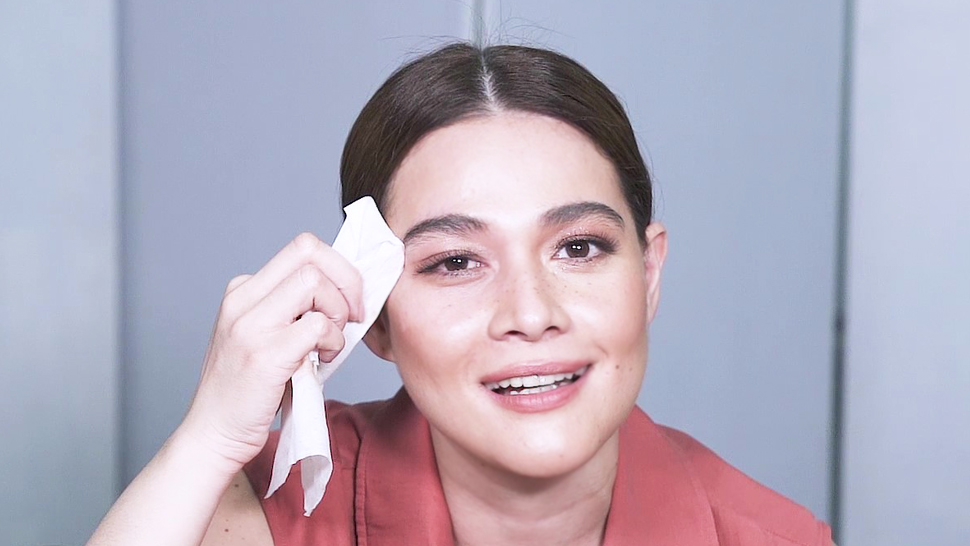 Watch Bea Alonzo Removes Her Makeup