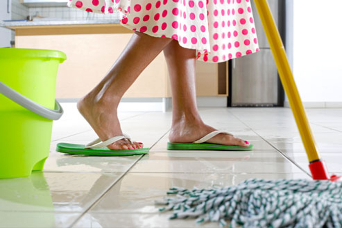 6 Effective Tips When Mopping Floors