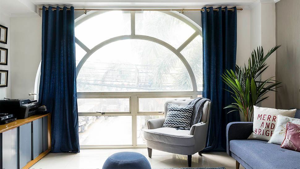 An Interior Designer S Solutions For Arched Windows