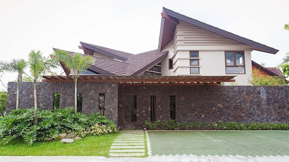 This Modern Bahay Kubo In Tagaytay Is A Lesson In Tropical