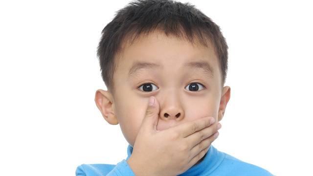 boyfriend has bad breath all the time