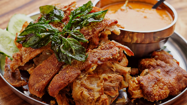www.spot.ph: Red Curry Crispy Pata Could Start Your Love Affair With Thai Food
