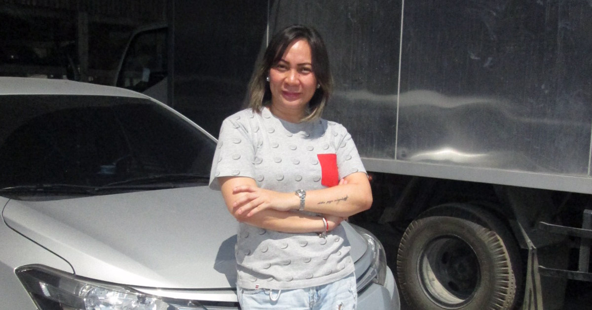 Lady Grab driver ditched office job for a life on the road
