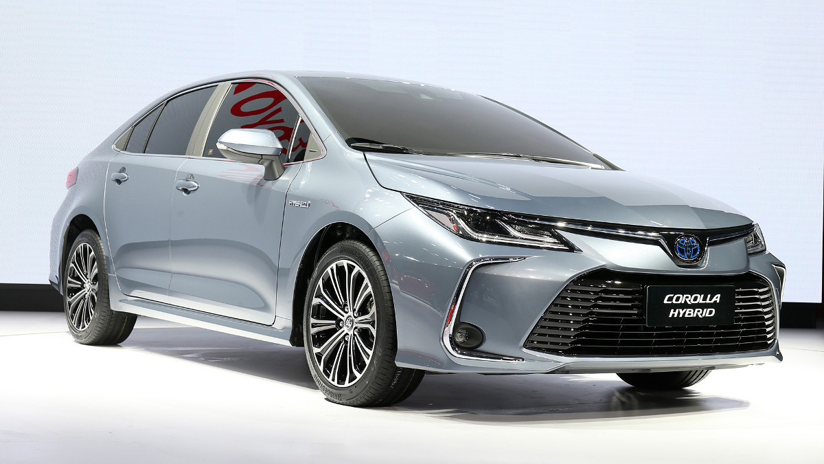 Toyota Corolla Sedan 2019 Photos