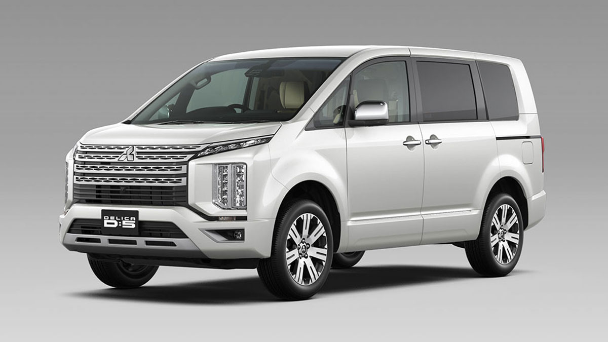 21ff02403a The new Mitsubishi Delica surfaces with a familiar face