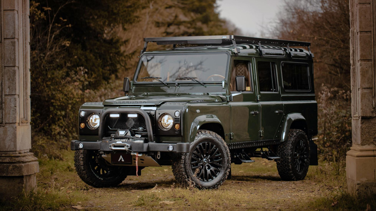 arkonik's modified land rover defender is called the gryphon d110