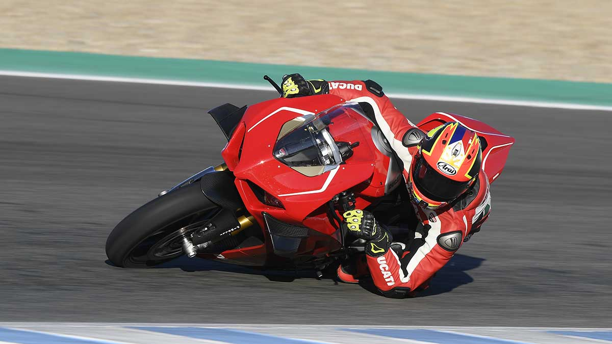 Ducati Panigale V4 R: Review, Price, Photos, Features, Specs