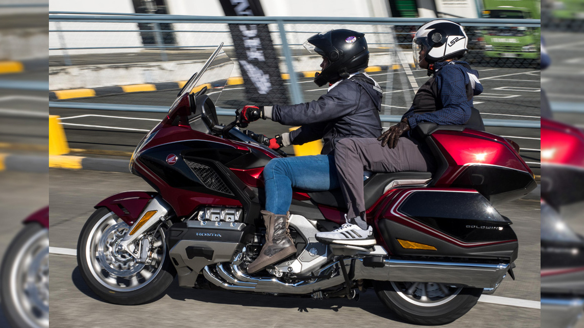 2019 Honda Gold Wing 1800cc Review Price Photos Features Specs