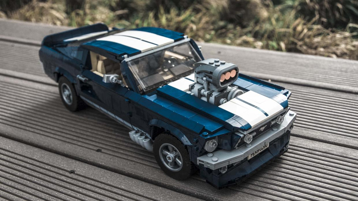 Lego Ford Mustang : gallery all the cool details of the lego ford mustang gt ~ Aude.kayakingforconservation.com Haus und Dekorationen