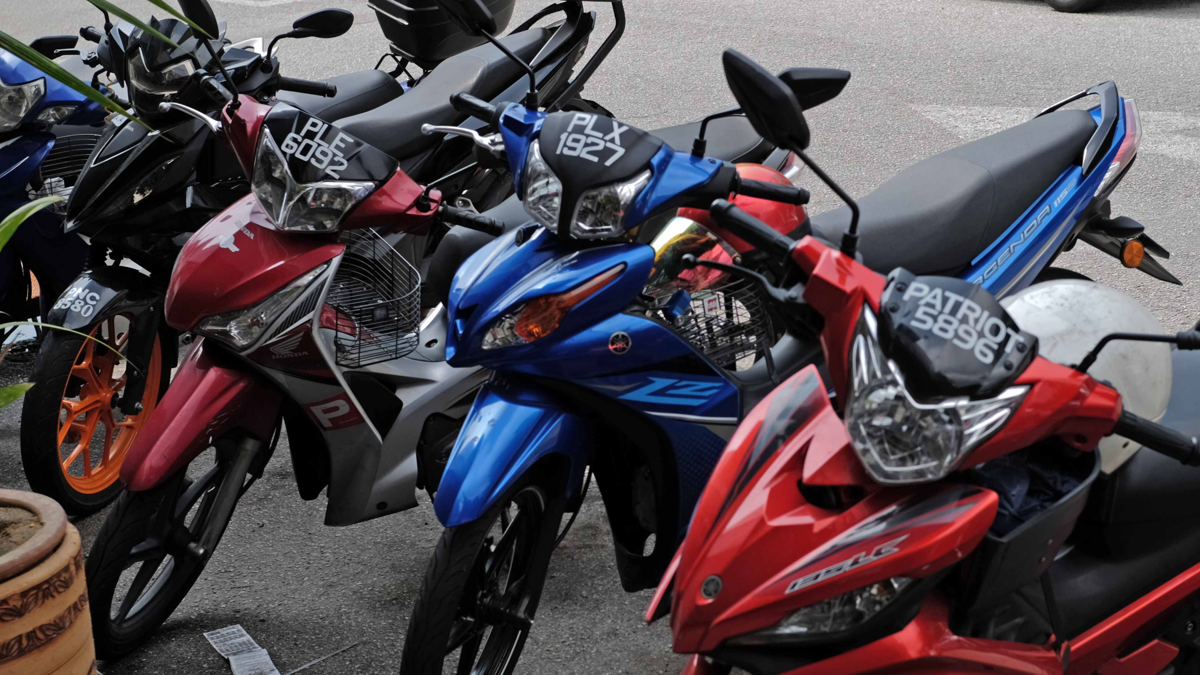 Doble plaka law what front motorcycle license plates in malaysia sg look like