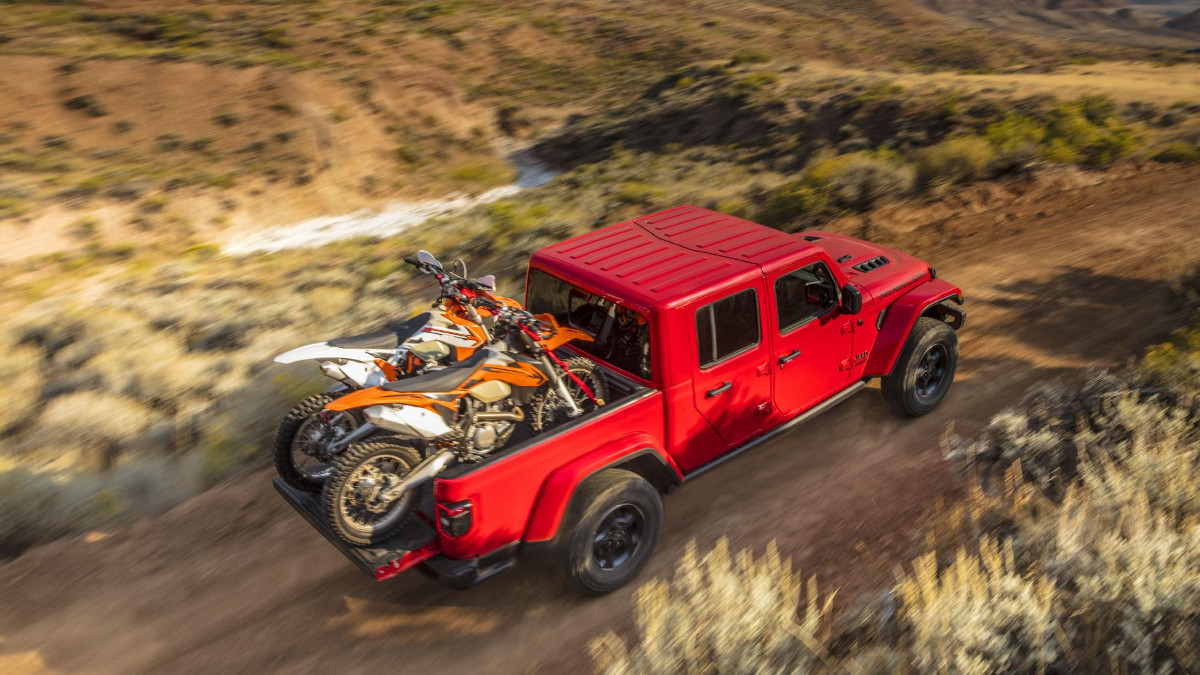 2019 Jeep Gladiator Review Price Photos Features Specs
