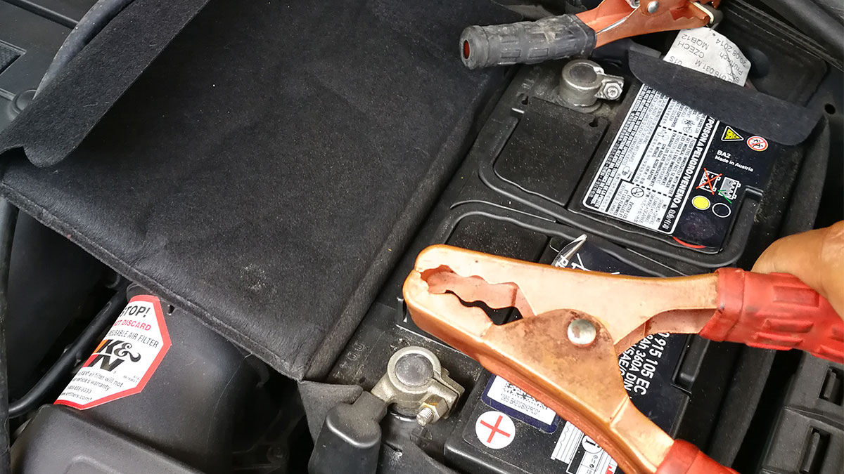 How To Charge A Car Battery With Jumper Cables