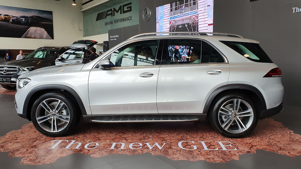 2019 Mercedes Benz Gle 300d 4matic Specs Prices Features