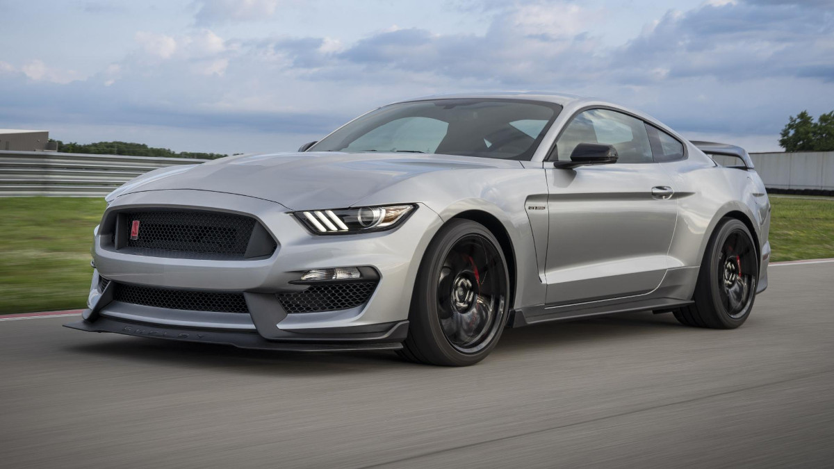 2020 Mustang Shelby Gt350r Pinches A Few Tricks From The Gt500