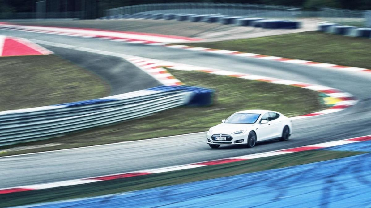 Tesla will challenge the Porsche Taycan's Nürburgring lap record