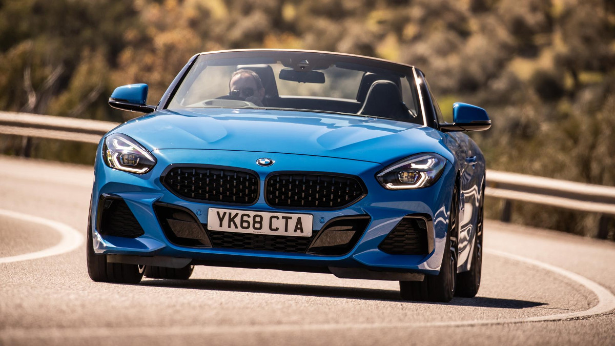 2019 Bmw Z4 Sdrive20i Review Price Photos Features Specs