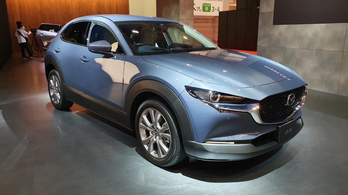 Kelebihan Mazda C30 Harga