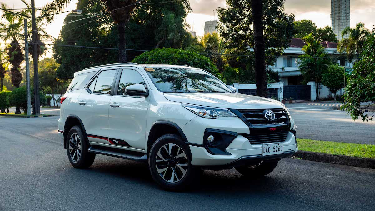 2019 Toyota Fortuner 2 4 Trd 4x2 At Review Price Photos Features Specs