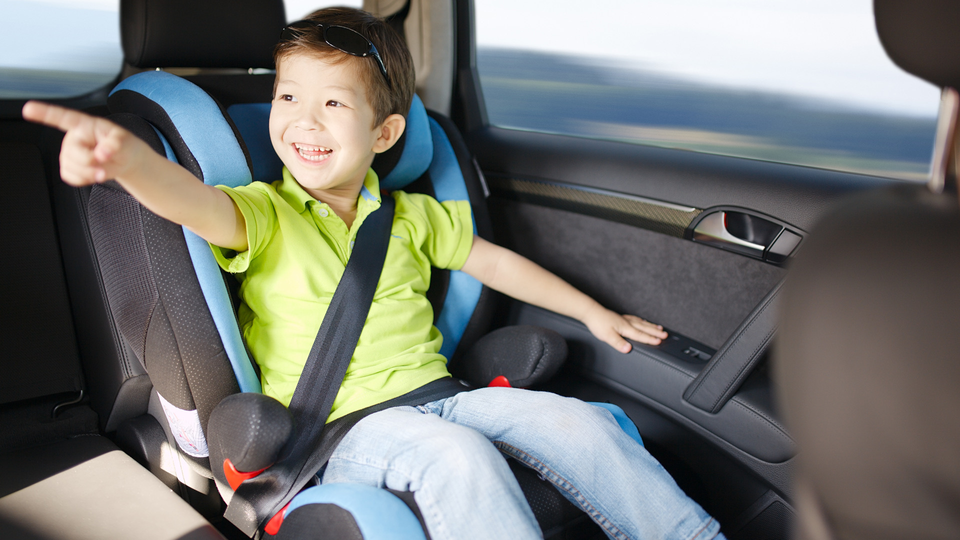 """Why a 4'11"""" child needs a booster seat and a 4'11"""" adult doesn't"""
