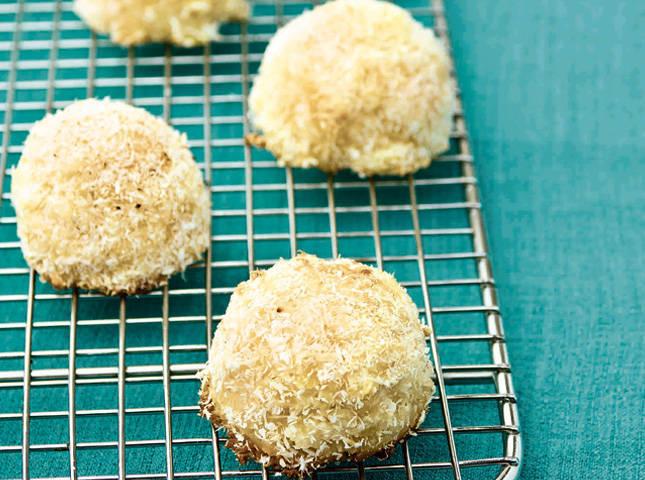 Pineapple Coconut Macaroons