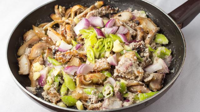 Pork Dinakdakan | Dinakdakan Recipe with Mayo | Panlasang ...