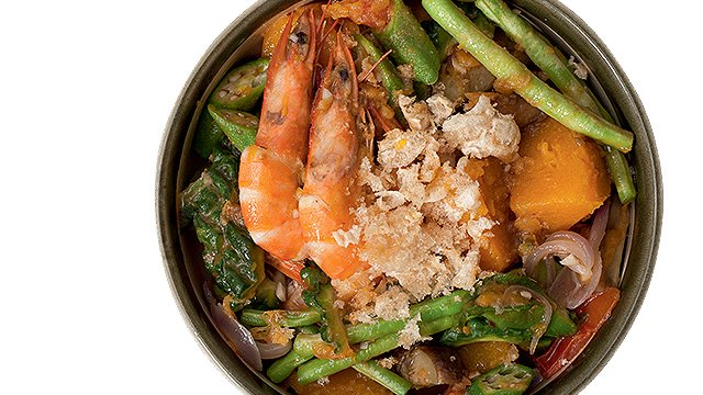 Try An Ilocano Veggie Dish Pinakbet With Chicharon Recipe