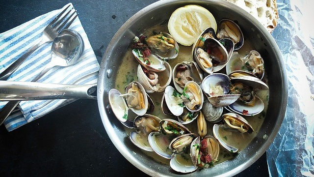Clams Mussels Oysters Know What They Are And How To Cook Them