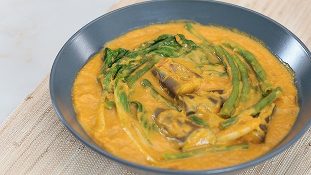 WATCH: How To Make Vegetable Kare-Kare