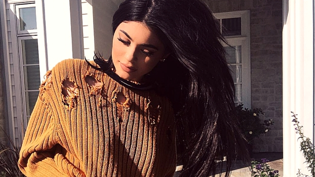 Watch How Kylie Jenner Does Her Makeup