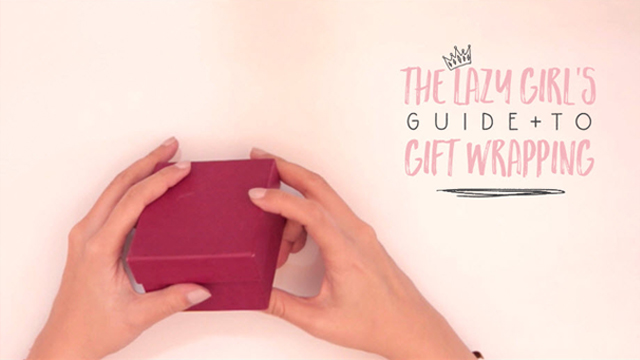 Here's a Great Last Minute Trick to Wrap Gifts for the Lazy Girl