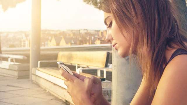 6 Things About Your Relationship That You Shouldn't Post Online