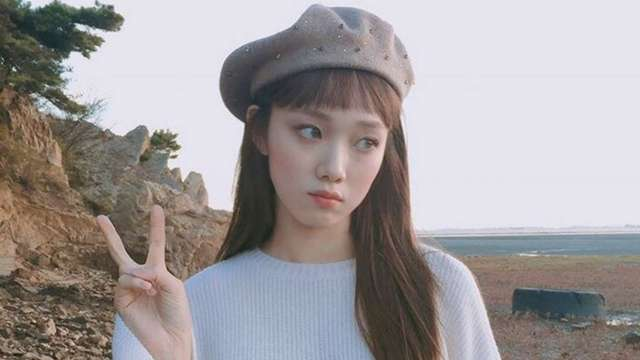 5 Ultra Sweet Styling Tricks We're Snatching from Lee Sung Kyung