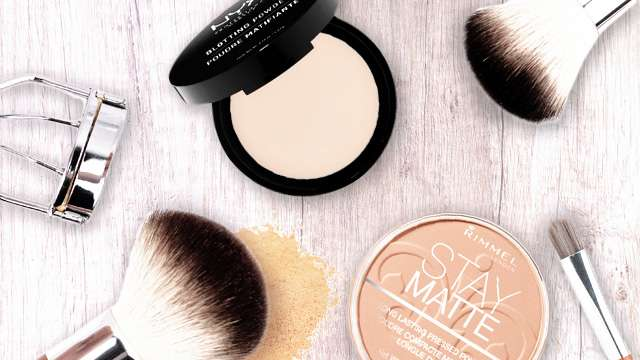 7 Face Powders to Combat Oiliness