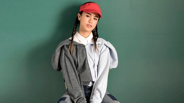How to Wear Denim Like Kisses Delavin