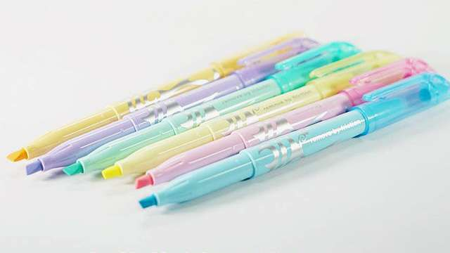 OMG, We Need This Set of Erasable Pastel Highlighters!