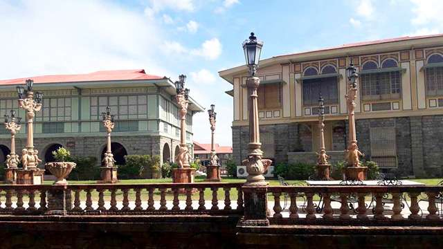 Your P1500 Can Afford You a Tour at Las Casas Filipinas de Acuzar