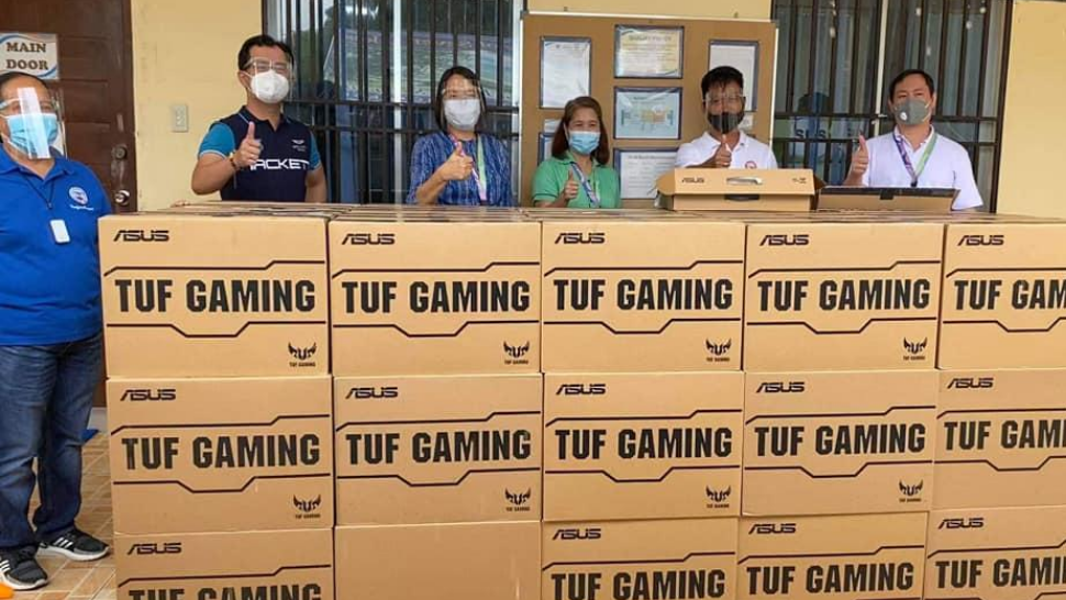 San Pablo City Gives Teachers, DepEd Personnel 103 Gaming Laptops