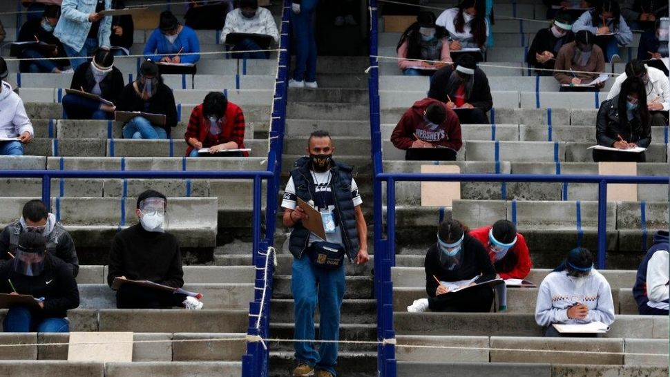 Mexican Students Take University Entrance Exam in Person Amid Pandemic