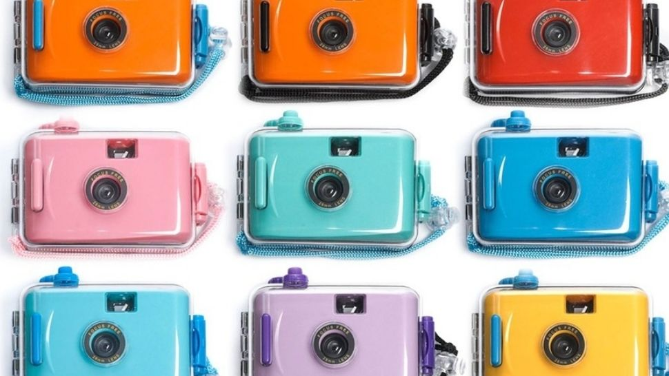 This Reusable + Waterproof Film Camera Comes in the Cutest Colors