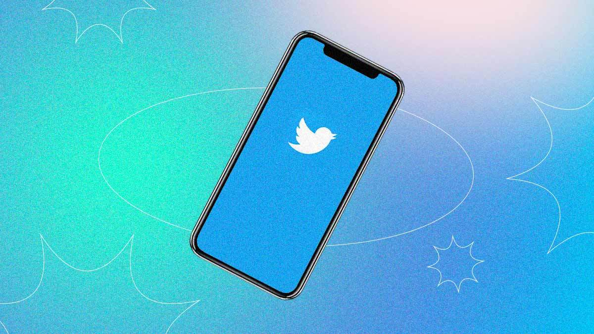 Is Twitter Affecting Your Mental Health? Here's How to Use It More Mindfully