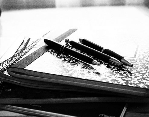 How to Manage Your Time Between Planning a Debut and School