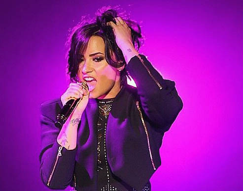 10 Ways You Can Tell You're at a Demi Lovato Concert